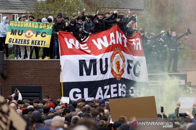 Avram Glazer tolak minta maaf usai diprotes suporter Manchester United
