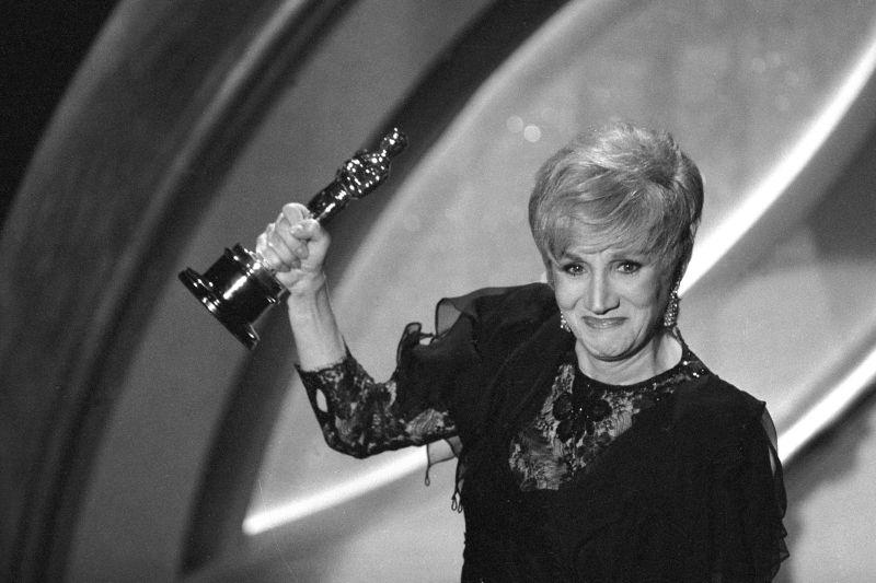Aktris pemenang Oscar Olympia Dukakis meninggal dunia