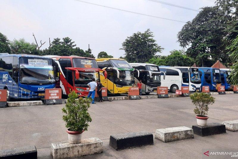 20 PO AKAP Terminal Kampung Rambutan tutup sementara
