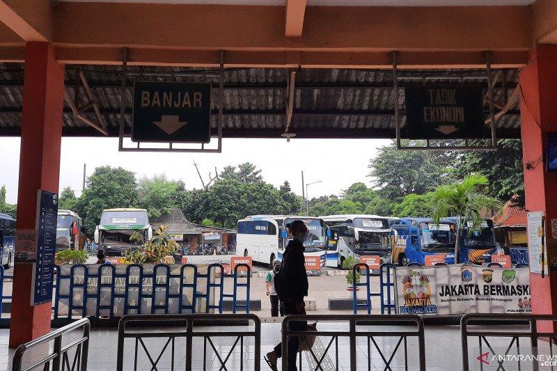Terminal Kampung Rambutan belum gunakan bus pariwisata untuk pemudik