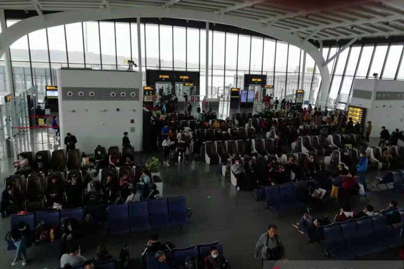 2.600 penerbangan di China ditunda di tengah puncak arus mudik