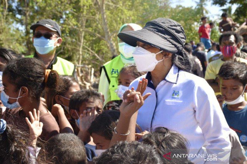 Menteri PPPA beri dukungan pada perempuan-anak korban bencana di NTT