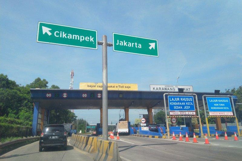 H-2 pengetatan mudik, Tol Jakarta-Cikampek masih ramai lancar
