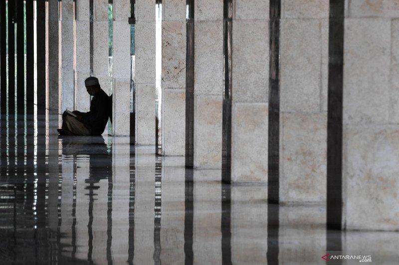Pengurus Masjid Istiqlal batasi jamaah Shalat Jumat