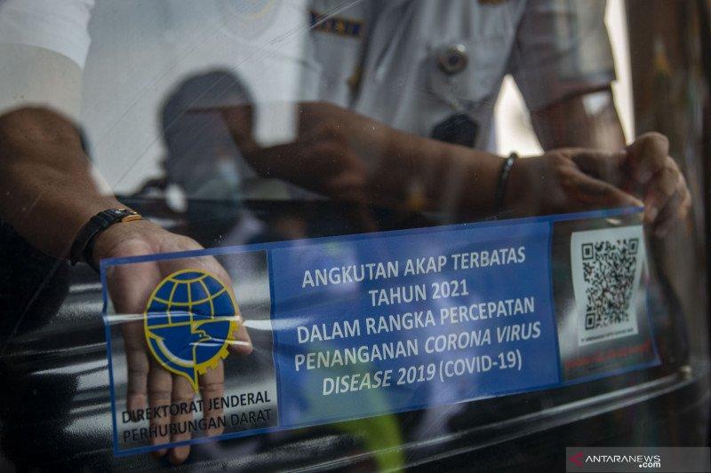 Stiker bus boleh beroperasi saat masa larangan mudik