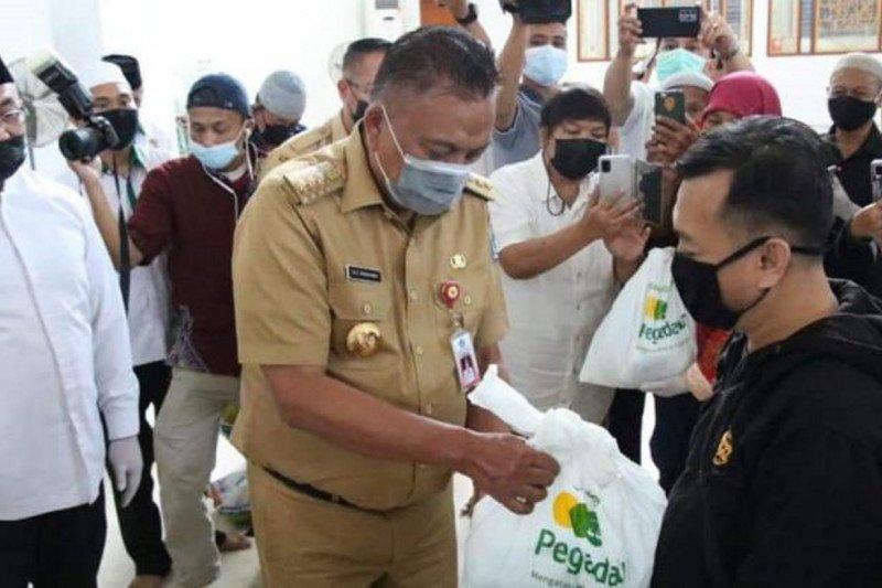 Pemprov Sulsel-Baznas-BUMN distribusikan 3.000 paket Ramadhan dhuafa