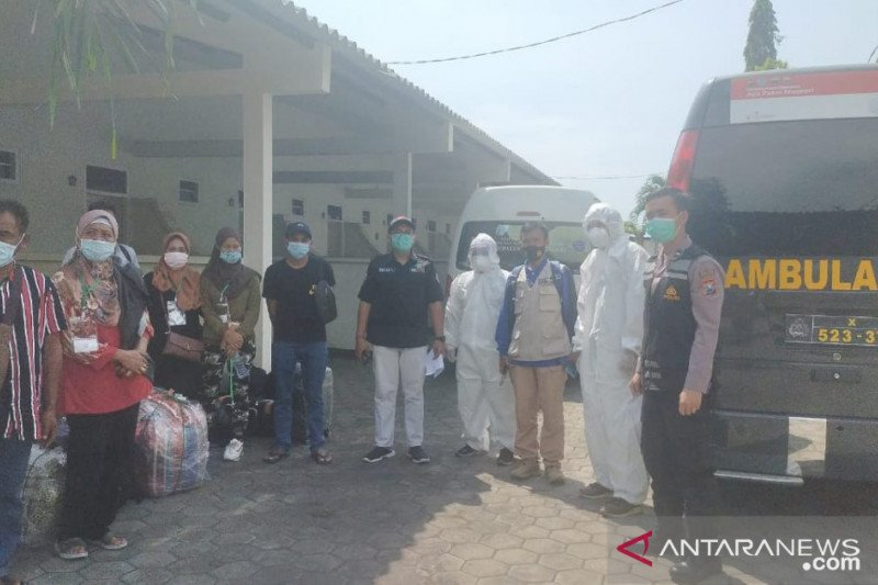 Tunggu tes usap, pekerja migran Indonesia asal Probolinggo dikarantina