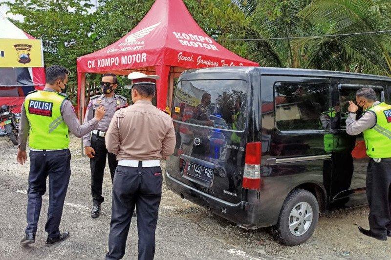 Satlantas Polresta Banyumas menindak travel gelap dari Jakarta
