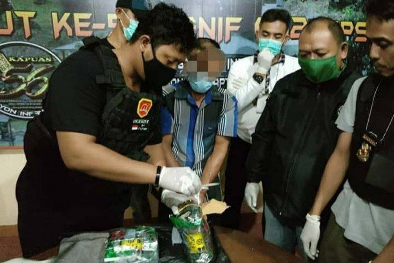 Satgas Pamtas Yonif 642 gagalkan penyelundupan 1,7 kilogram sabu