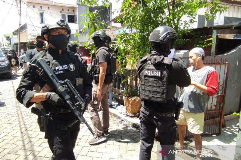 Penangkapan terduga teroris di Makassar menjadi 56 orang
