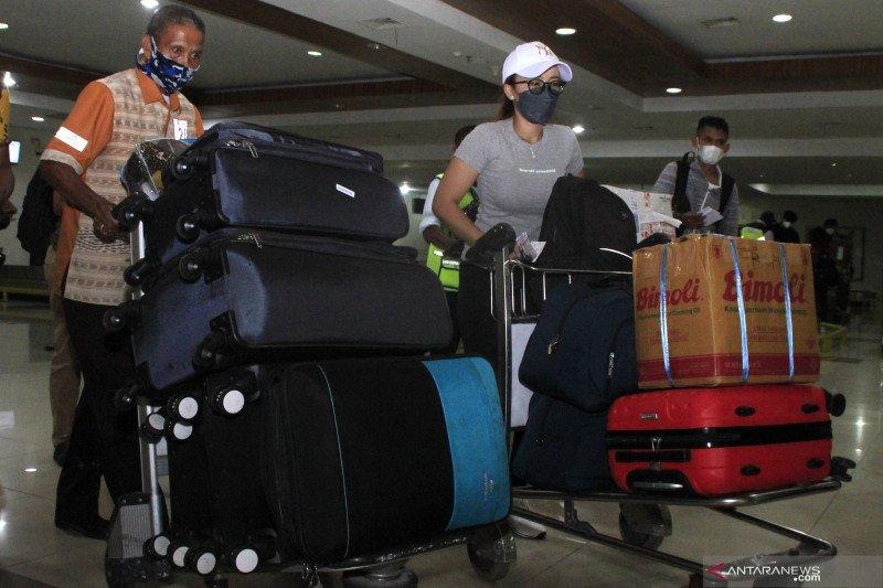 Pemudik di Bandara El Tari terus meningkat, puncaknya Rabu ini