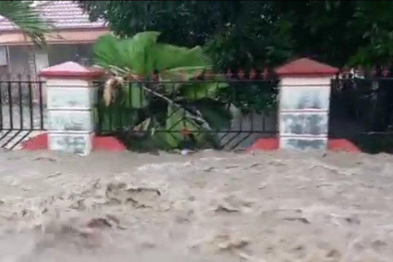 Banjir melanda pemukiman dan sawah di Kabupaten Gorontalo