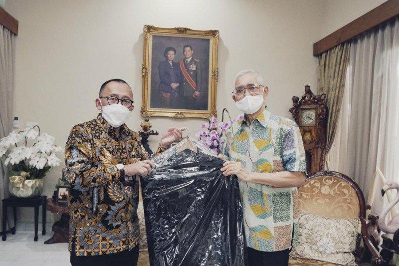 Wapres Try Sutrisno dan Hamzah Haz hibahkan koleksi untuk museum