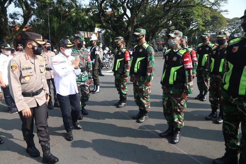 Cegah COVID-19 jelang Lebaran,  pusat keramaian di Malang diawasi
