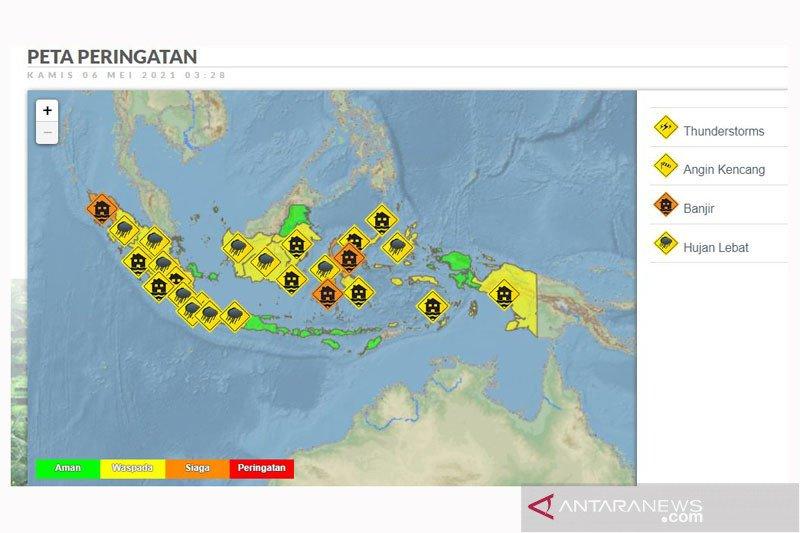 BMKG: Sejumlah provinsi berpotensi hujan lebat disertai angin kencang