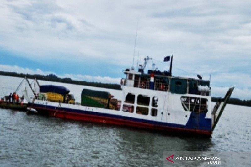 Kapal Jembatan Musi II kandas di Pulau Suwangi Tanah Bumbu