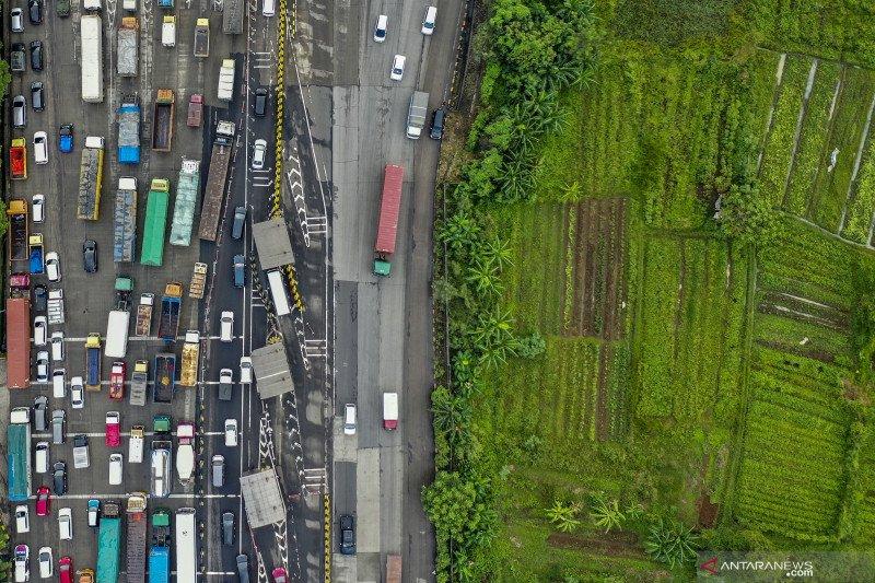 Kemacetan di jalan tikus perbukitan saat larangan mudik? Ini faktanya