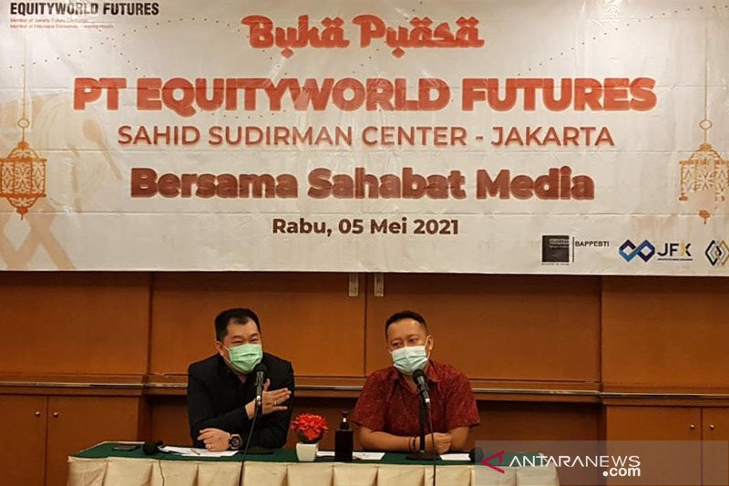 "EWF: Pelemahan harga emas momentum aksi ""buy"""
