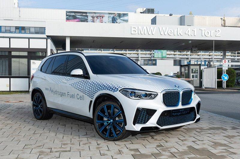 SUV hidrogen BMW akan tersedia 2022