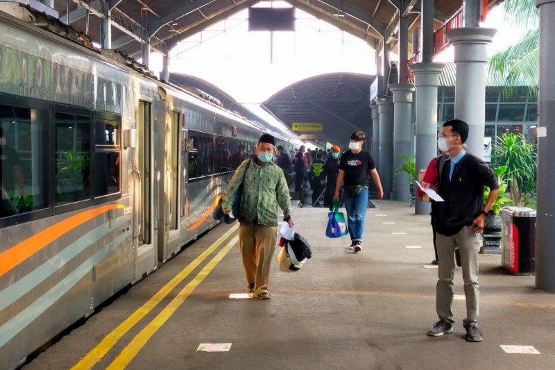Jumlah penumpang KA di Daop 8 Surabaya turun drastis