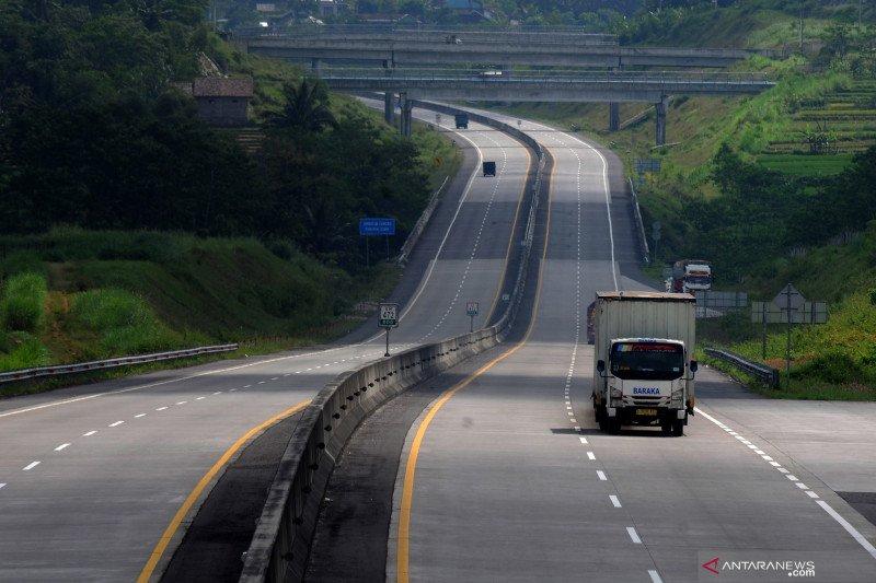 Polri putar balikkan 23.573 kendaraan di hari pertama larangan mudik