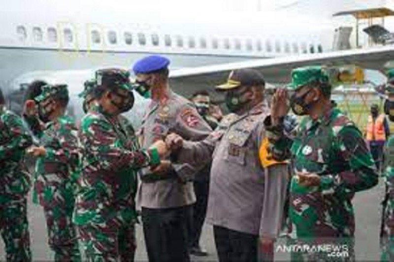 Kemarin, Panglima TNI-Kapolri ke Timika hingga soal tank sekat mudik