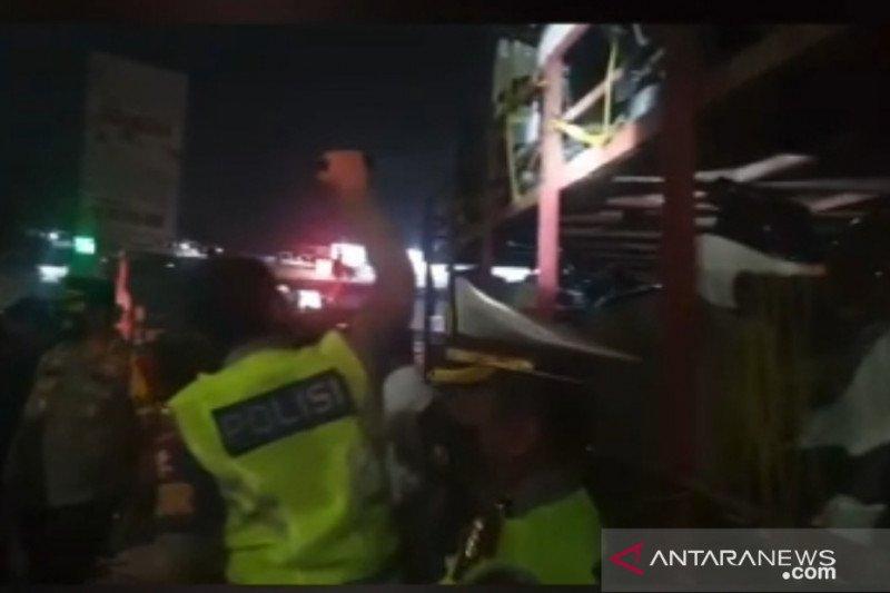 Polda Metro temukan pemudik sembunyi di dalam truk pengangkut motor