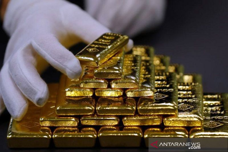 Harga emas jatuh 29,6 dolar, terseret kenaikan imbal hasil, penjualan ritel