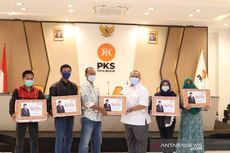 PKS Kota Bogor bagikan 4.000 bingkisan lebaran