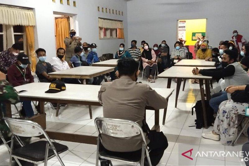 Pekerja migran Indonesia asal Jember-Jatim dikarantina di hotel