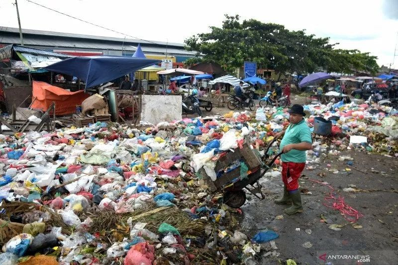Pekanbaru gandeng aparat berantas pungli sampah