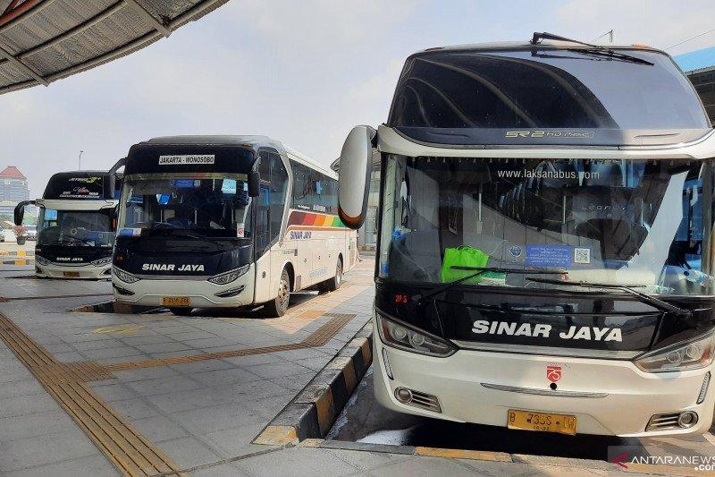 Terminal Pulogebang tolak 44 calon penumpang tak penuhi syarat