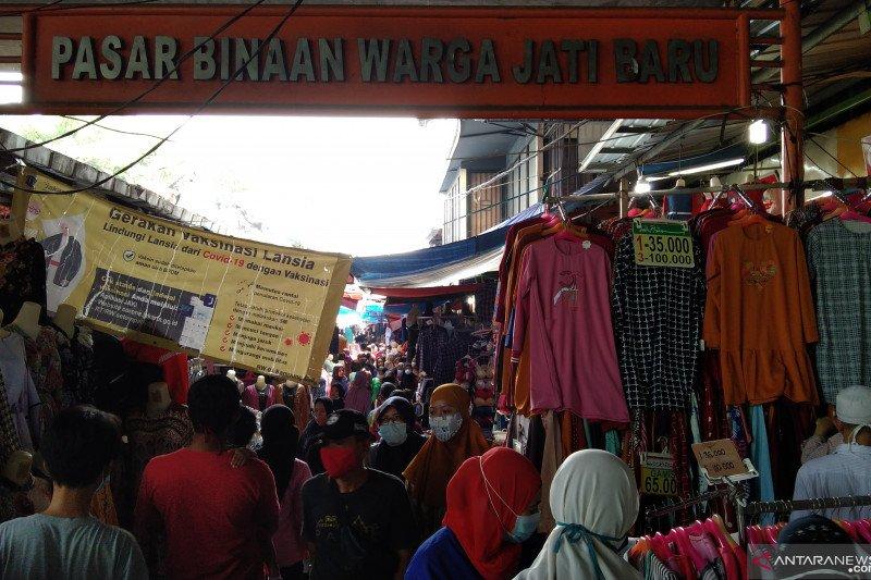 Pengunjung Pasar Jati Baru minim terapkan protokol kesehatan