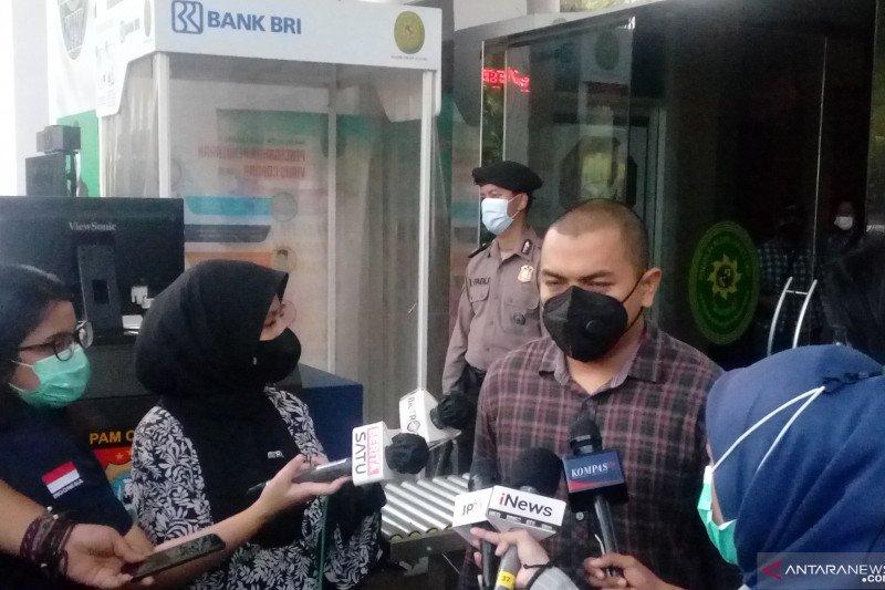Hakim tunda sidang tuntutan kasus kerumunan Rizieq Shihab