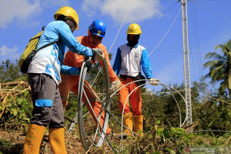 Jaringan listrik NTT pulih 100 persen, ekonomi bergerak lebih cepat