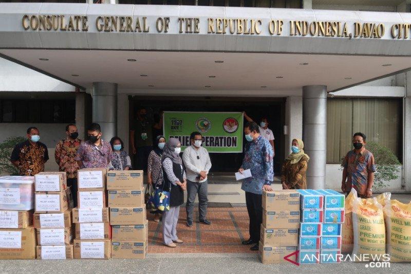 KJRI Davao City salurkan bantuan bagi korban kebakaran Bangaray Ilang