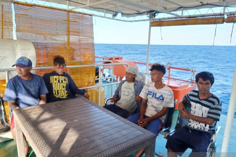 Lima nelayan dilaporkan hilang ditemukan selamat di perairan Rote NTT