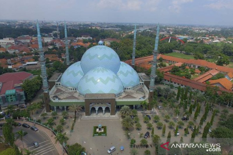 Masjid Al Azhom Tangerang tidak gelar Shalat Idul Fitri