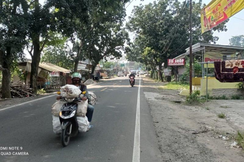 H-1 Lebaran, ruas jalan Bypass Rangkasbitung lengang lancar