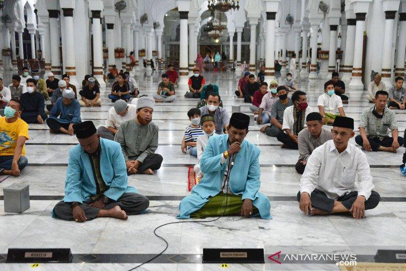 Malam takbiran Idul Fitri di Masjid Raya Baiturrahman Banda Aceh
