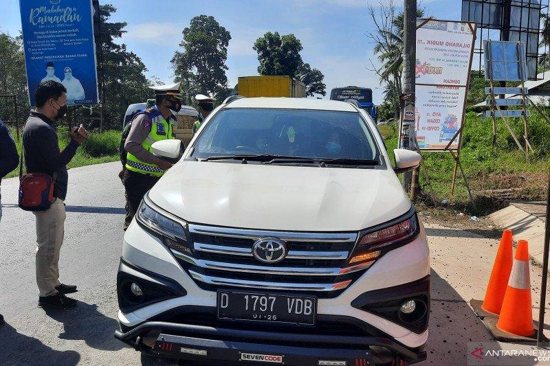 Mobil mantan Bupati Bungo alami kecelakaan