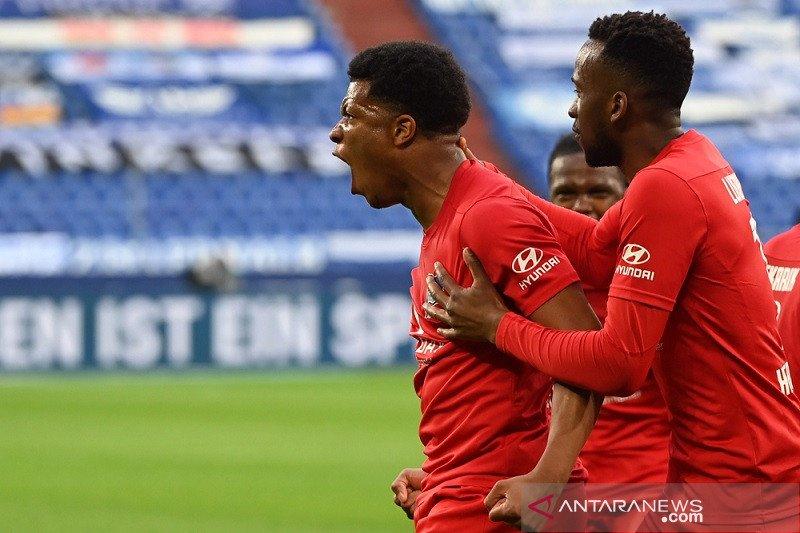 Hertha jauhi ancaman degradasi seusai pecundangi Schalke