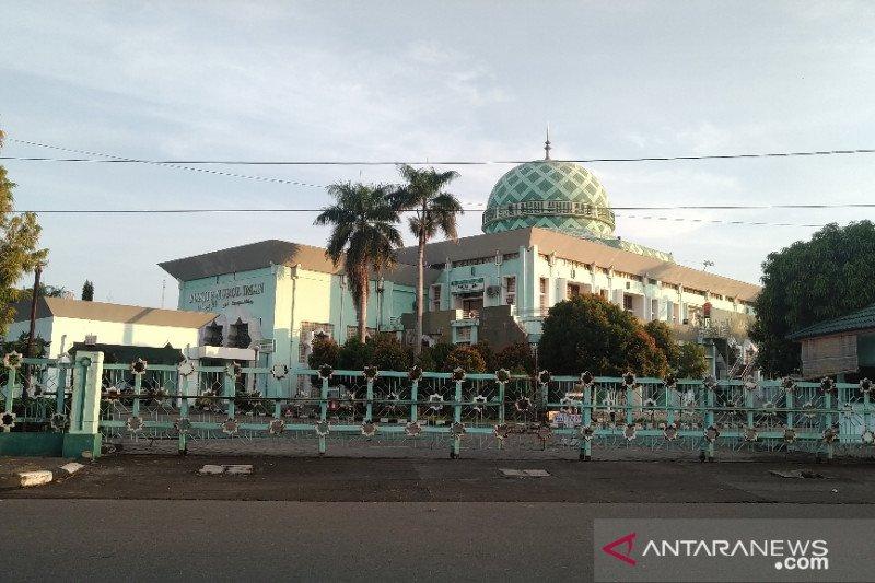 Antisipasi penularan, shalat Idul Fitri di Padang bergeser ke masjid