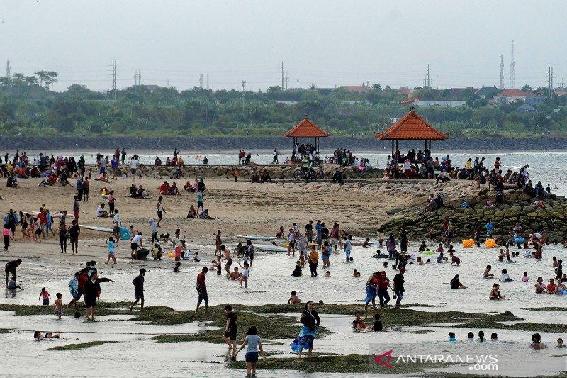 Liburan Idul Fitri di Pantai Sanur