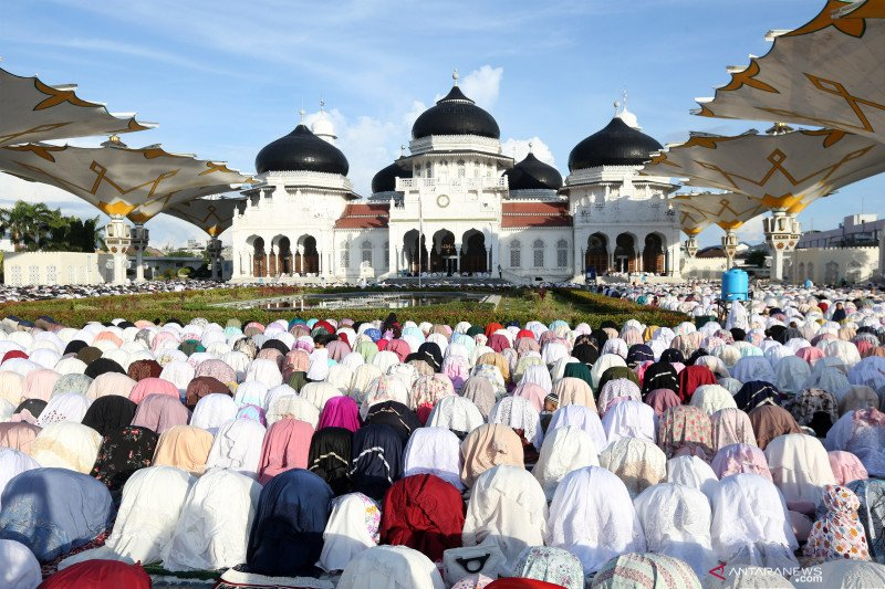 Shalat Idul Fitri 1442 H di berbagai daerah