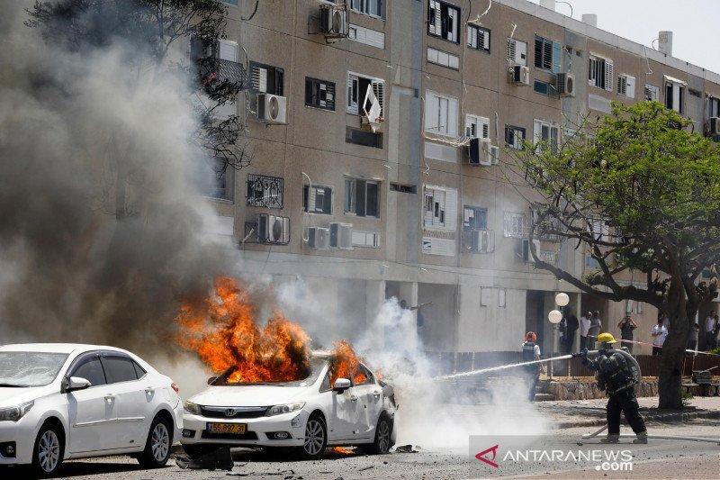 Serangan udara meningkat, Israel kerahkan pasukan di sepanjang Gaza