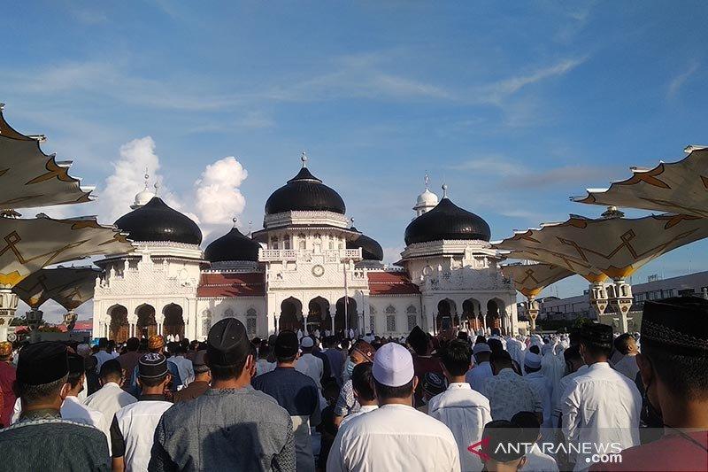 Khatib Shalat Id di Aceh ajak masyarakat lawan pandemi COVID-19