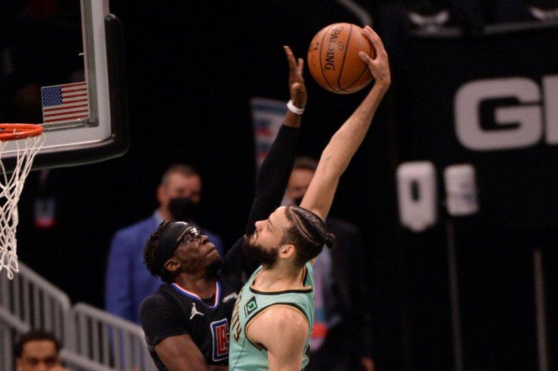 Clippers atasi Hornets dengan penampilan luar biasa pada paruh kedua