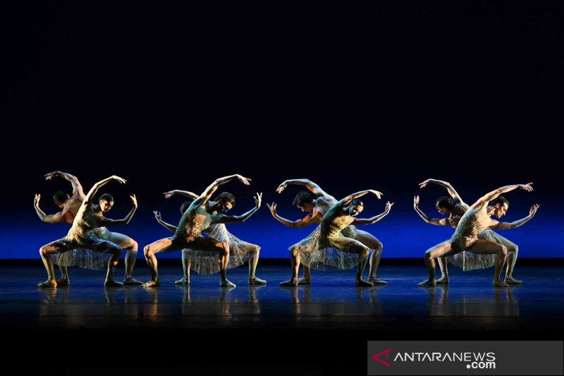 Yuk intip latihan jelang penampilan The Royal Ballet di London