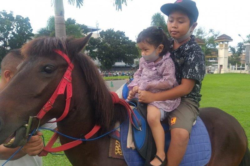 Kuda sewa di Istana Maimun Medan kurang diminati pengunjung
